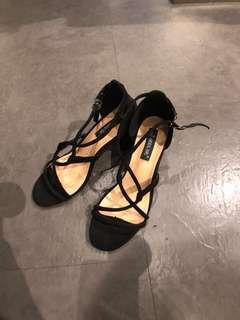 🚚 歐美黑色羅馬綁帶粗跟高跟涼鞋