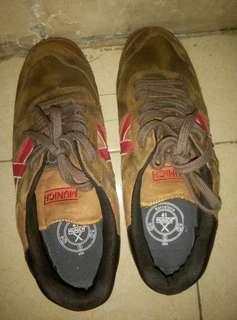 Sepatu munich