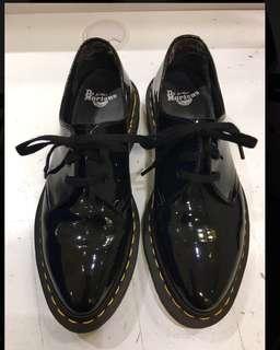正品馬汀dr.martens黑色漆皮尖頭牛津鞋