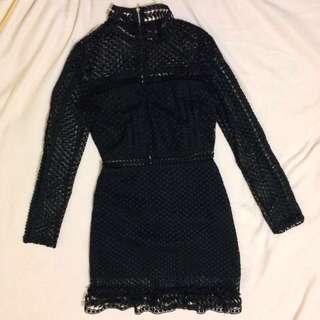 Size 6: Lace Long Sleeve dress