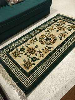 Hand woven carpet rug