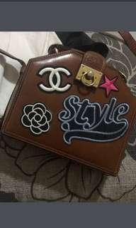 Satchi club with brown leather design vintage shoulder bag
