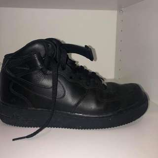 Airforces size 7