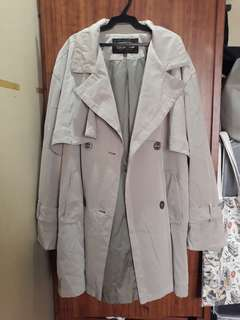 Trenchcoat for Autumn and Spring