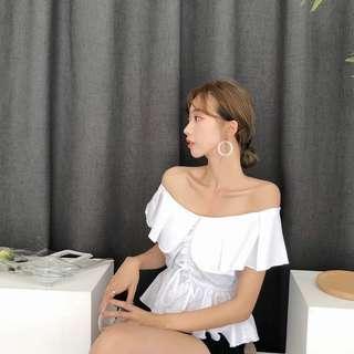 韓國流行ㄧ字領上衣、上班、約會都好搭配~白、黃、紫、黑、紅/ F .  胸94、袖12 、長49  快發訊訂貨