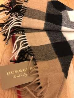 Burberry 三角披肩圍巾 全新