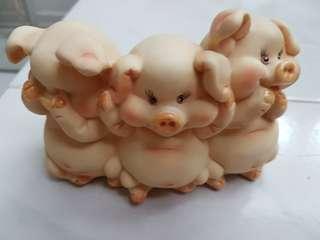 3 Little Pigs Coin Bank