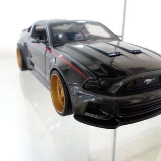 Diecast 1:24 Mustang