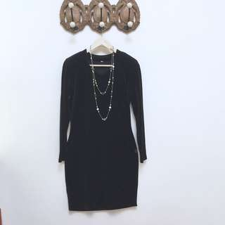 🚚 黑絲絨合身長䄂洋裝