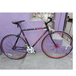S.E. FIXIE BIKE (FREE DELIVERY AND NEGOTIABLE!) not folding bike