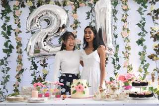 [RENT] Floral Party/Wedding Backdrop and Setup