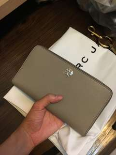 * Authentic & New* Tory Burch Robinson Zip Continental Wallet