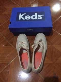 FREE SHIPPING! -Authentic Keds triple mono pale peach shoes