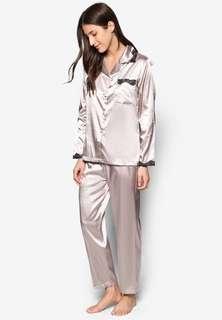 🚚 Satin Pajama Set