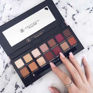 ✨SALE✨[Authentic] Anastasia Modern Renaissance Eyeshadow Palette