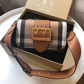 Burberry The Buckle