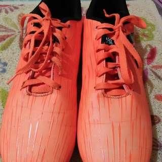 Sepatu Bola Adidas Orange