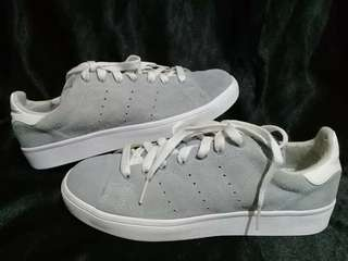 ORIGINAL ADIDAS STANSMITH  9/10 MAY MINIMAL.USAGE SA LOOB BUT CONDITION IS VERY OK PA  SZ US 5.5/38/23.5CM ON TAG  P1000