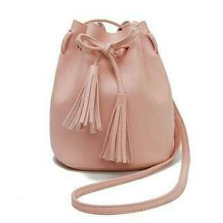 2075 korean tassel sling bag