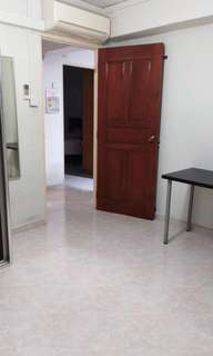 1 common room for rent with aircon and wifi
