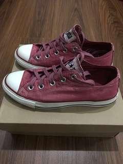 Unisex Converse Matte Sparkly Maroon Shoes