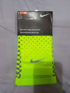 Nike DriFit 360 Arm Sleeves (L/XL)
