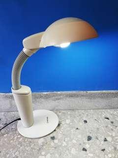 🚚 大同節能護眼檯燈