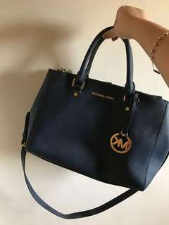 Michael Kors Sutton Safiano Bag