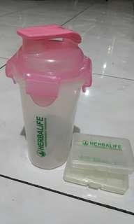 Shaker & kotak obat