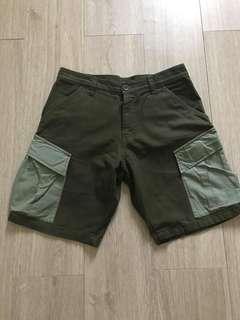 🚚 INTERBREED綠色短褲