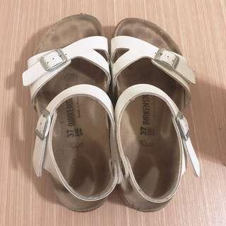 Birkenstock勃肯涼鞋
