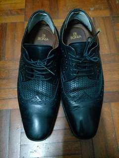 Bonia leather formal shoes size 39-40