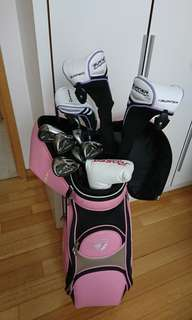 Almost new ladies Taylormade Golf set