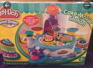 Play-Doh Cake Making Station
