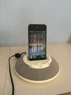iPhone 4/ iPod charger and speaker 2-in-1
