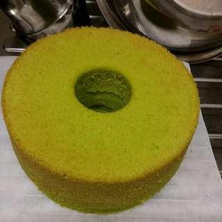 斑蘭蛋糕 隔著紙盒也能聞得到的斑蘭味 新鮮斑蘭葉製作 真材實料 無香精及人造色素 可買散裝或整個蛋糕 pandan cake FRESH MOIST AROMATIC SOFT HOMEMADE BAKERY no essence