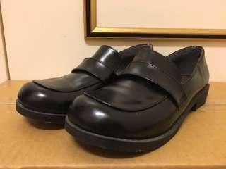 🚚 黑色皮鞋  25號 (7折)