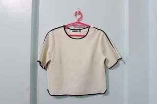 Semi cropped shirt