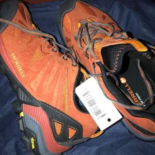 Authentic Merrel hike shoes