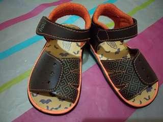 Sepatu sandal kids