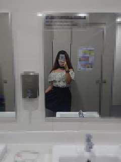 Shoulder off dress with choker