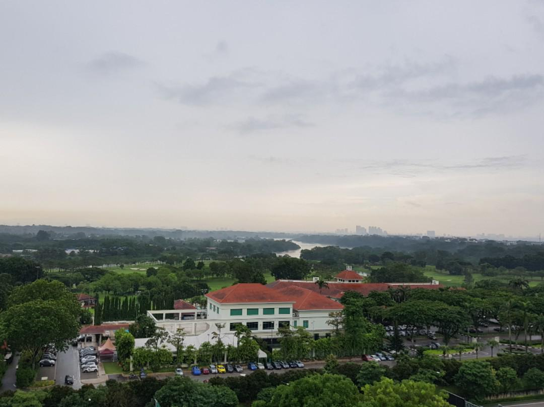 Choa Chu kang Share big common room for rent including pub big wardrobe, study desk 蔡厝港大普通房搭房 $350 包水电,大衣柜, 書桌。没有仲介费,No agency fee, 价格可商量。