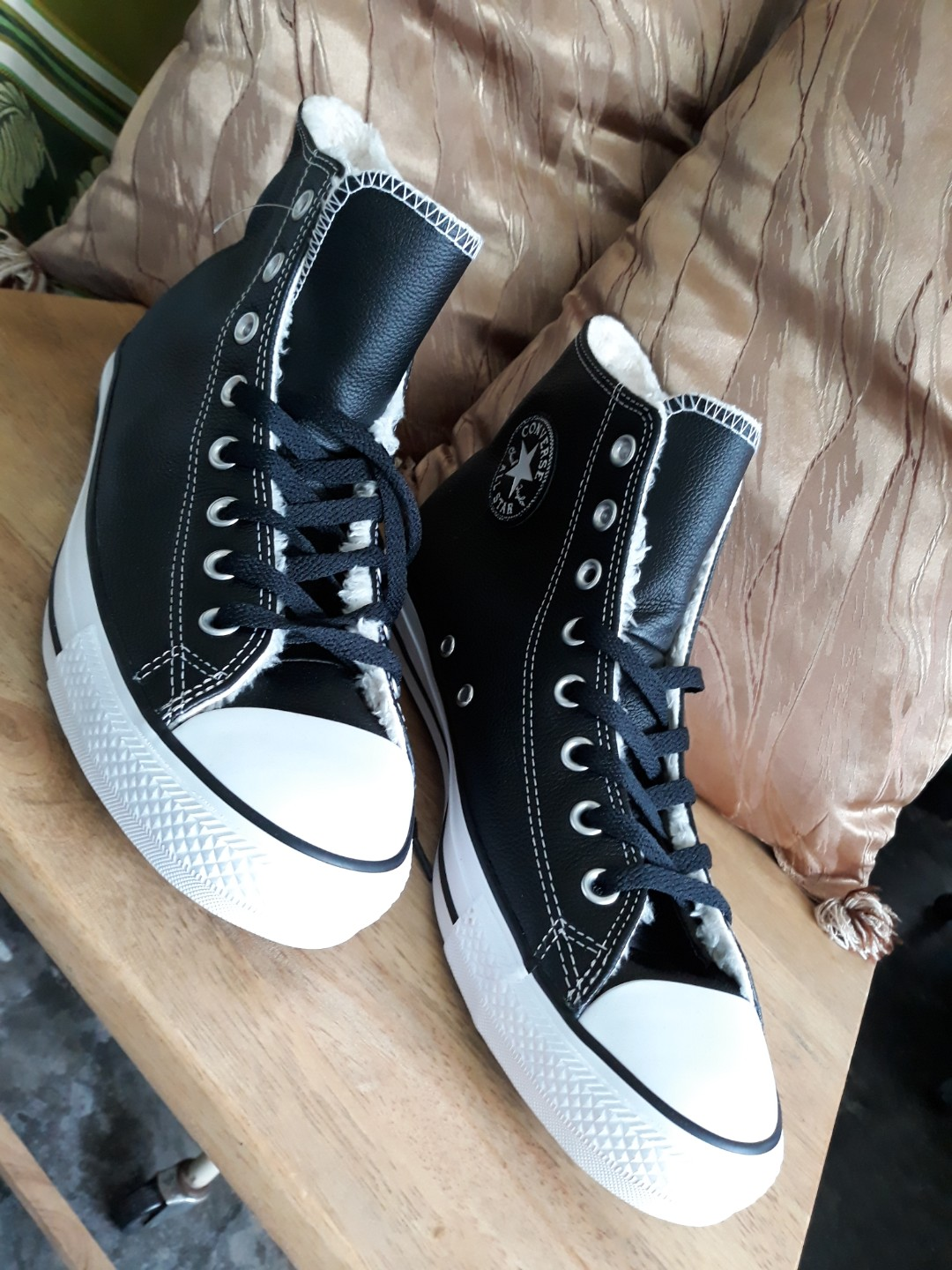08b37a54a118 Converse Chuck Taylor All Star Chelsee Leather in Black