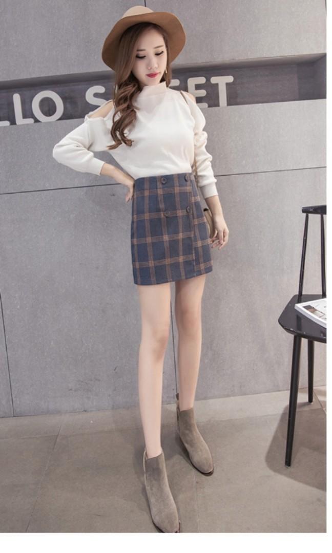 c70790e260 Korean plaid skirt (Blue), Women's Fashion, Clothes, Pants, Jeans & Shorts  on Carousell