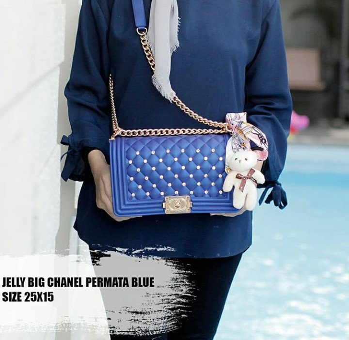 dfdfdfaff8c4 Slingbag Jelly Chanel Permata Biru, Women's Fashion, Women's Bags & Wallets  on Carousell
