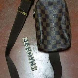 Louis Vuitton Ebene Belt bag ( not orig)
