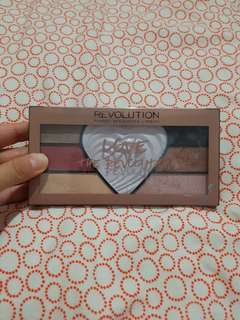 Eye shadow Revolution