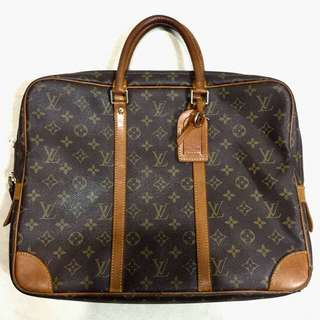 LV Document Bag Voyage.