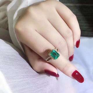 香港預展 18k祖母綠鑽石戒指