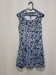 Dress bunga esprit